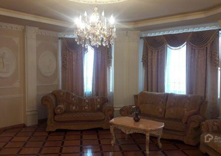 Продаётся 3-комнатная квартира, 156 м²