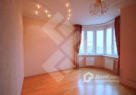 Продаётся 4-комнатная квартира, 174 м²