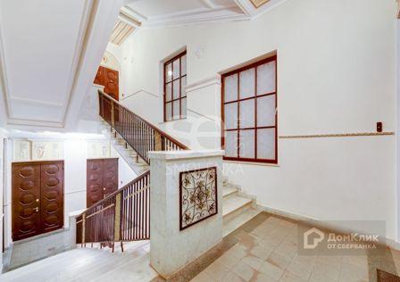 Продаётся 5-комнатная квартира, 268 м²