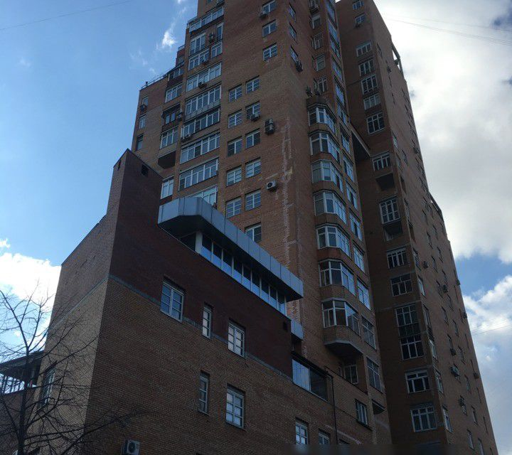 Продаётся 5-комнатная квартира, 190 м²