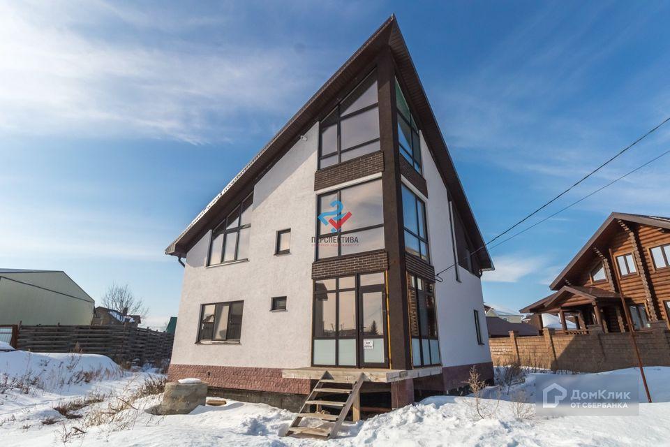 Продаётся 3-этажный дом, 166.6 м²