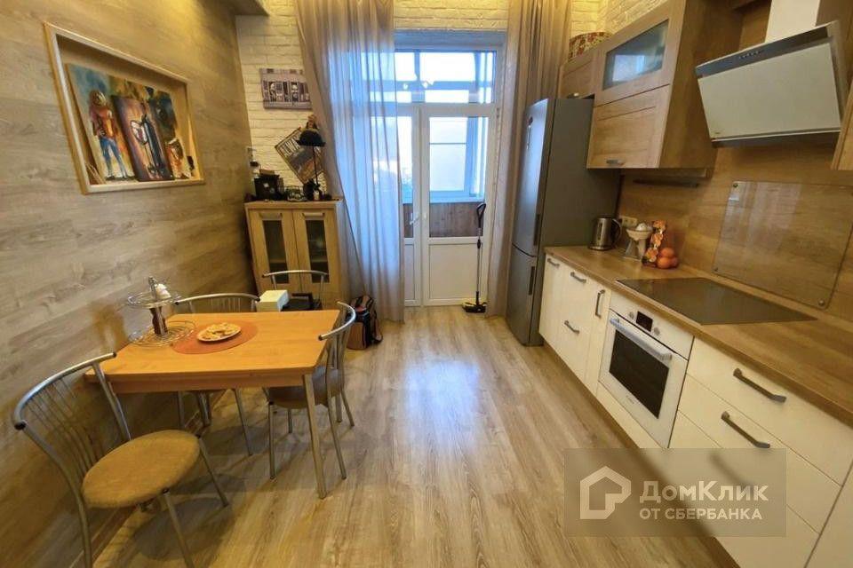 Продаётся 2-комнатная квартира, 102 м²