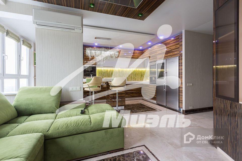 Продаётся 2-комнатная квартира, 70.4 м²