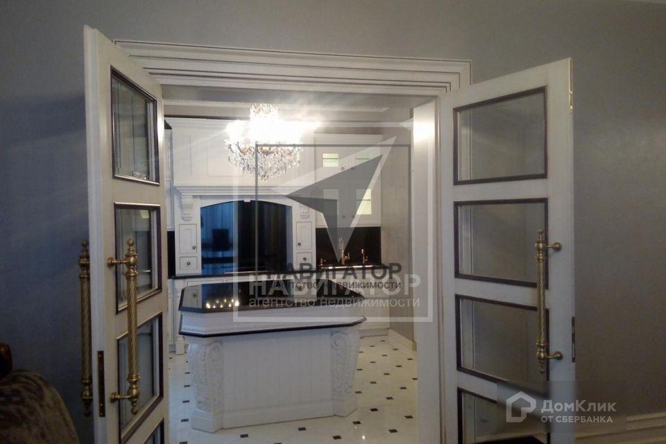 Продаётся 3-комнатная квартира, 165 м²