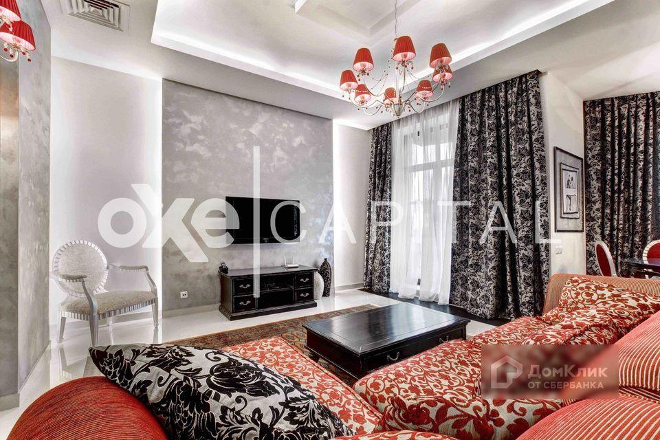 Продаётся 3-комнатная квартира, 121.7 м²