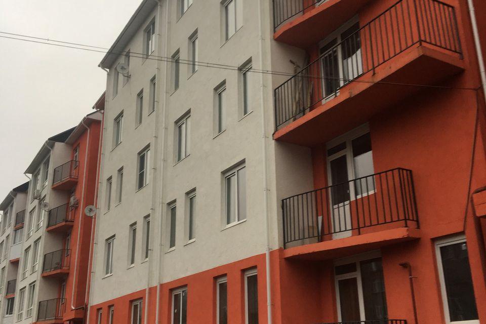 Продаётся 4-комнатная квартира, 100 м²