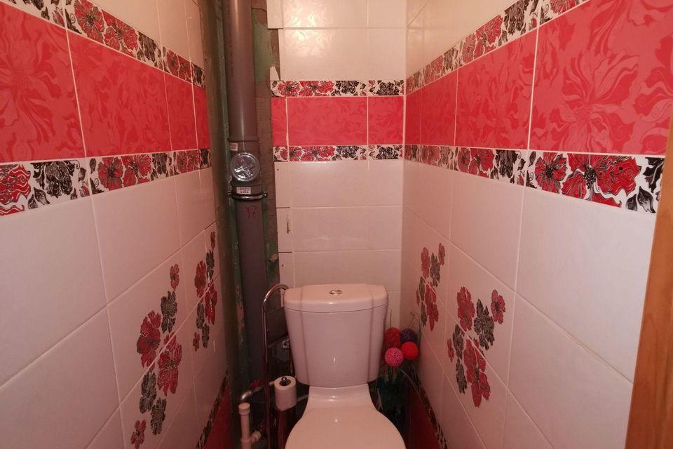Продаётся 4-комнатная квартира, 58.9 м²